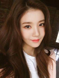 K-Pop Babe Pics – Photos of every single female singer in Korean Pop Music (K-Pop) Korean Women, Korean Girl, Yuri, Asian Woman, Asian Girl, Secret Song, Japanese Girl Group, K Idols, Girl Power