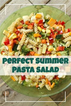 Perfect Summer Pasta Salad recipe from RecipeGirl.com #summer #vegetable #pasta #salad #recipe #RecipeGirl Salad Recipes For Parties, Potluck Recipes, Pasta Salad Recipes, Healthy Soup Recipes, Picnic Recipes, Fun Easy Recipes, Easy Meals, Vegetable Pasta Salads, Summer Pasta Salad