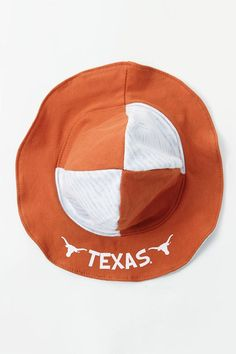 With the Infant Texas Longhorn - Hook 'Em Sun Cap, your littlest Longhorn can…