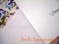Invitación de boda y sobre forrado con papel florentino. Detalle del relieve del verjurado.