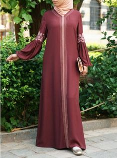 Farisaa Embroidered Abaya Gown