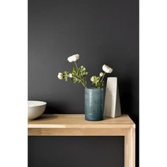 Vase en verre Berth - Ø 12 x H 20 cm - Bleu Vase Haut, Murano, Decoration, Floating Shelves, Concrete, Glass Vase, Drawing, Home Decor, Recycled Glass