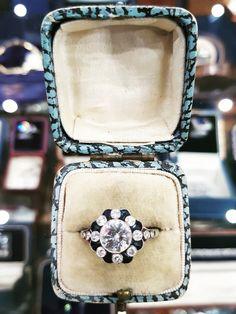 Sapphire Rings, Sapphire Stone, Blue Sapphire, Edwardian Jewelry, Flower Shape, Hand Engraving, Flower Designs, Frosting, Diamond Cuts