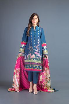 Latest Fashion Trends, Fashion Brands, Semi Formal Wear, Dress With Shawl, Winter Suit, Cashmere Shawl, Lawn Suits, Winter Dresses, Fabric Design