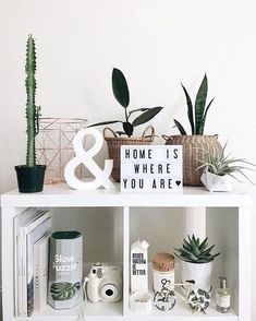 Bedroom Design And Decoration Tips And Ideas - Top Style Decor Living Room Decor, Bedroom Decor, Bedroom Ideas, Bedroom Green, Bedroom Inspo, Deco Studio, Cute Room Decor, Room Goals, Aesthetic Room Decor