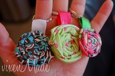 tutorial for fabric rosette keychains, so cute! tutorial for fabric rosette keychains, so cute! Kids Crafts, Cute Crafts, Crafts To Make, Fabric Crafts, Sewing Crafts, Sewing Projects, Scrap Fabric, Yarn Projects, Diy Flowers