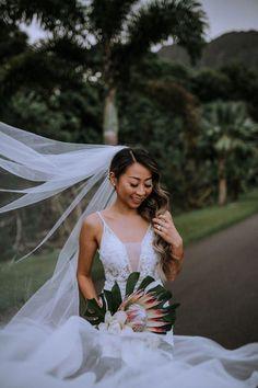Ho'omaluhia Botanical Gardens, Hawaii bridal session #beachwedding Whimsical Wedding Inspiration, Wedding Photography Inspiration, First Dance Photos, Wedding Trends, Wedding Venues, Bridal Session, Bridal Hair And Makeup, Groom Style, Hawaii Wedding
