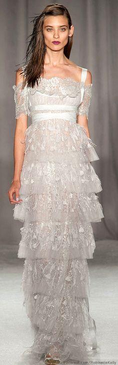 Marchesa at New York Fashion Week Spring 2014 - Runway Photos Couture Mode, Couture Fashion, Runway Fashion, Marchesa Spring, Zuhair Murad, Ny Fashion Week, New York Fashion, Elie Saab, Beautiful Gowns