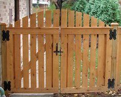 wood fence double gate at DuckDuckGo Backyard Gates, Garden Gates And Fencing, Garden Doors, Driveway Gate, Fence Gates, Wooden Garden Gate, Wooden Gates, Tor Design, Fence Design