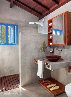 Wood Bathroom, Bathroom Flooring, Bathroom Interior, Concrete Shower, Concrete Floors, Best Bathroom Vanities, Bathroom Vanity Lighting, Bath Panel Storage, Rustic Toilets