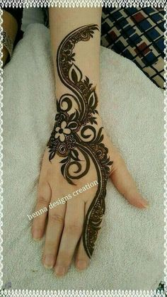 to show you latest eid ul fitr mehndi designs 2018 which will help to make your eid ul fitr gorgeous and memorable. Arabic Henna Designs, Mehndi Designs 2018, Modern Mehndi Designs, Mehndi Design Pictures, Beautiful Mehndi Design, Mehndi Designs For Hands, Henna Tattoo Designs, Bridal Henna Designs, Wedding Designs