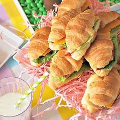 Easter_Party__Mini_Ham_and_Cheese_Croissants_recipe party baby Mini Ham and Cheese Croissant Sandwiches - SavvyMom Ham And Cheese Croissant, Croissant Sandwich, Croissant Recipe, Mini Sandwiches, Appetizer Sandwiches, Ham Sandwich Recipes, Sandwich Ideas, Mini Croissants, Finger Food Appetizers