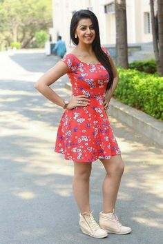 Nikki Galrani Hot Pics from Malupu Movie Release Date Press Meet, nikki galrani, Images in HD, Photos and Wallpapers, Stills and Latest Photo gallery Hottest Pic, Hottest Photos, Floral Frocks, Short Frocks, Short Dresses, Girls Dresses, Sexy Dresses, Indian Beauty Saree, South Indian Actress