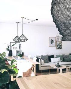 Wohnzimmer Und Esszimmer In Einem! #esszimmer #wohnzimmer #lampen Entdecke  Noch Mehr Wohnideen