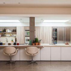 Foto: Outro ângulo da cozinha Gaggenau da nossa cliente que faz bolos e doces como ninguém! Projeto Sig Bergamin. #gaggenau #boutikskok #design #details #cozinha #kitchen #appliances #arquitetura #architecture #instadecor #interiores #interiordesign