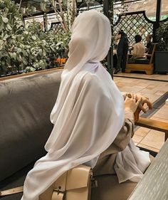 Stylish Hijab, Modest Fashion Hijab, Modern Hijab Fashion, Hijab Fashion Inspiration, Hijab Chic, Abaya Fashion, Muslim Fashion, Mode Abaya, Mode Hijab