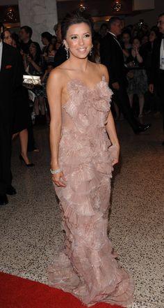 Eva Longoria, Famous Latinos, Dream Dress, Strapless Dress Formal, Beautiful People, Most Beautiful, Red Carpet, Robes, Good Looking Guys