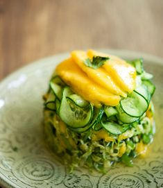 Thai Mango Salad. Raw vegan recipes.