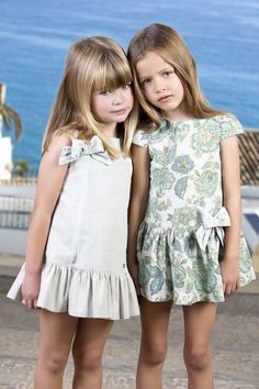 Dress Twin Outfits, Kids Outfits Girls, Cute Girl Outfits, Little Girl Dresses, Girls Dresses, Toddler Fashion, Kids Fashion, Mother Daughter Fashion, Little Girl Models