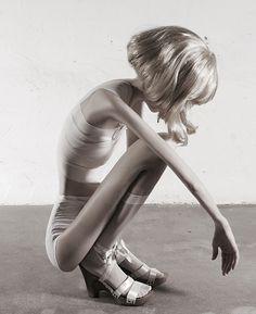 """German photographer Ivonne Thein made shocking photoshop art with her series """"32 kilo"""" Galerie Voss, Düsseldorf"""