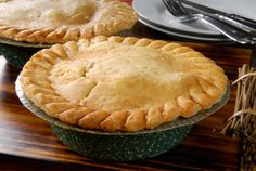 This gluten free chicken pot pie recipe is made with Glutino's Perfect Pie Crust Mix, All-Purpose Flour Mix, fresh thyme, & more. Quiches, Gluten Free Chicken Pot Pie Recipe, Ham Pot Pie, Pot Pies, Blueberry Pie Recipes, Meals For Four, Beef Pies, Cheddar, Dessert Recipes