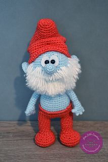 "In my youtube tutorial I show you how crochet Papa Smurf or other Smurf (man), such as Grouchy Smurf, Clumsy Smurf. I present also the crochet box with a ""boom"" gift inside :-)"