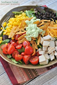 Southwest Salad & Creamy Avocado Dressing _ Salad can be dinner with this delicious salad. The creamy Avocado dressing is the perfect topping too! Southwest Salad, Southwest Chicken, Creamy Avocado Dressing, Avocado Chicken Salad, Cooking Recipes, Healthy Recipes, Soup And Salad, Salad Bar, Mexican Food Recipes