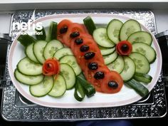 Salatalık Ve Domates Ile Tabak Süslemesi