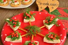 How to cook Pine Tree Canapes Recipe? You can easily make Pine Tree Canapes Recipe. You will love our Pine Tree Canapes Recipes, Appetizers, Christmas Dining Table, Free Christmas Printables, Food Decoration, Food Crafts, High Tea, Bon Appetit, Food Art