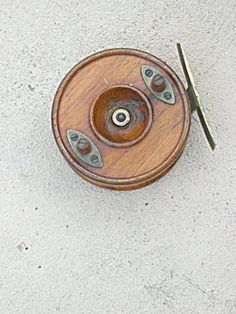 Wood fishing reel