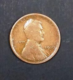 Lincoln Wheat Cent/Penny - A Rare Mintmark, and a Tough Find ! Wheat Penny Value, Rare Coin Values, Penny Values, Old Coins Worth Money, Rare Pennies, Numismatic Coins, Valuable Coins, Rare Stamps, Penny Coin
