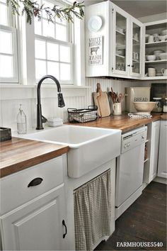 4 Prosperous Cool Tips: Kitchen Remodel Contemporary Marble Countertops new kitchen remodel ideas.Kitchen Remodel Diy Before After kitchen remodel grey walls.New Kitchen Remodel Ideas. Farmhouse Kitchen Cabinets, Farmhouse Style Kitchen, Modern Farmhouse Kitchens, Kitchen Redo, Kitchen Styling, New Kitchen, Home Kitchens, Farmhouse Decor, Farmhouse Small