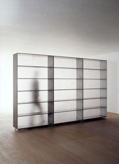 black | bookshelf . Bücherregal . étagère à livres | Design: Maarten van Severen |