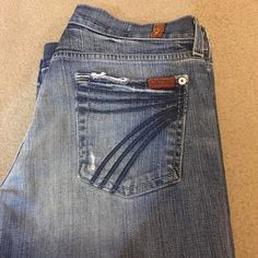 "7FAM CROPPED DOJOS!!!! Outstanding condition. Ladies, it's the time of year for crops!! These DOJOS are such an awesome style. Stretch. Distressed areas. Light to dark whiskering. ""7's"" on back pockets. Size 26. Inseam 20 inches 7 for all Mankind Jeans Ankle & Cropped"