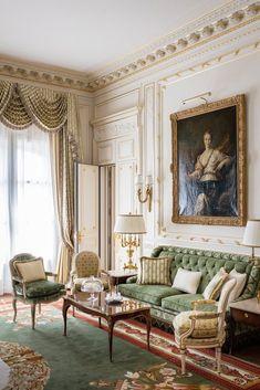 Elegant Home Decor, Elegant Homes, Classic Interior, Luxury Interior, Country Interior, Room Interior, French Interior Design, Interior Livingroom, Ashley Furniture