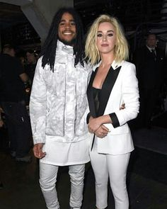 Katy and Skip on the 2017 Grammy - great performance!