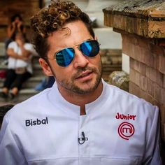 David Bisbal, protagonista del próximo «MasterChef Junior» - Zona Pop Peru Masterchef Junior, David, Pop Singers, Mirrored Sunglasses, People, Faces, Love, Amor, Famous Singers