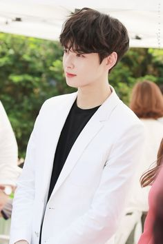 Lee Dong Min | ASTRO Cha Eun Woo, Cute Korean Boys, Korean Men, Cute Boys, Asian Actors, Korean Actors, Cha Eunwoo Astro, Ideal Boyfriend, Lee Dong Min