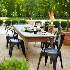 With spring approaching, here are 10 ideas to set the table for memorable entertaining!