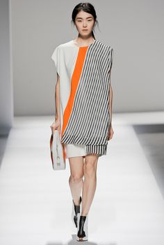 Look 34 Sportmax Spring 2013 #MFW #unconventional stripes