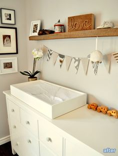 Love the use of black & white pics in this sweet #nursery gallery display.