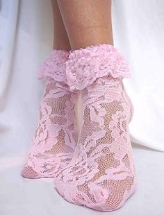 ~dentelle amour ~ love of lace~  The love of lace, the delicate, the feminine.  pink lace socks