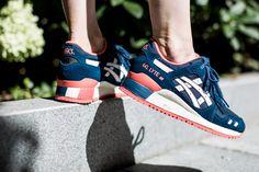 ASICS GEL-LYTE III 'POSEIDON' POSEIDON/WHITE available at www.tint-footwear.com/asics-gel-lyte-iii-hn553-5801 asics womens wmns gel lyte III poseidon retro running sneaker tint footwear studio