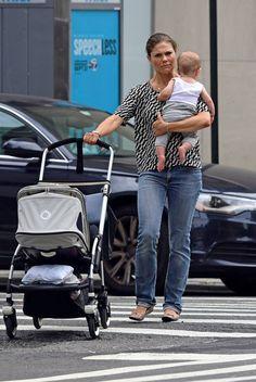 Kruununprinsessa on parhaillaan työmatkalla New Yorkissa. Mukana on myös puolivuotias kuopus prinssi Oscar.