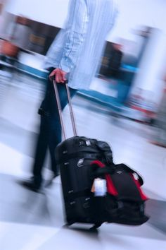Consejos para evitar 'el síndrome de la clase turista' http://www.farmaciafrancesa.com/main.asp?Familia=189&Subfamilia=223&cerca=familia&pag=1