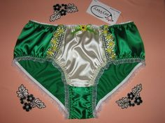 Vintage Style Romantic Shiny Irish Green & Ivory by VeryVeryIE