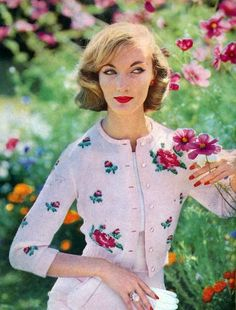 Evelyn Trip in a sweetly beautiful rose patterned cardigan, 1958. #vintage #1950s #spring #fashion #cardigans