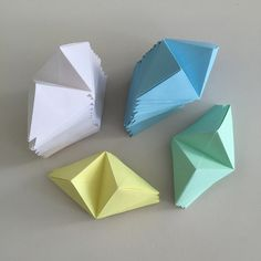 Origami for Everyone – From Beginner to Advanced – DIY Fan Origami Design, Diy Origami, Origami Wall Art, Origami And Kirigami, Useful Origami, Origami Paper, Origami Boxes, Dollar Origami, Origami Folding