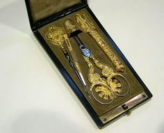 Necessaire broderie or sewing set gold french first empire
