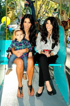 Kimmy & Kourtney Kardashian